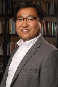 Min-Dong Lee Faculty Headshot