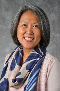Sandi Reuger Faculty Headshot