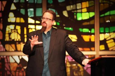 380x253 Ed Stetzer speaking