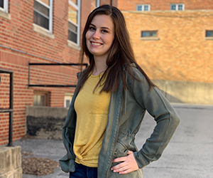 300x250 photo of writing center student consultant Lauren Schwen